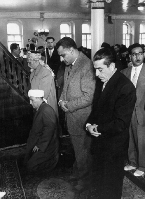 Акрам Хурани и Насер в московской мечети. СССР, Москва, 1958 год.