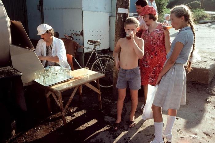 Атмосферные фотографиииз СССР начала 1980-х.