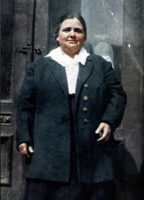 Первая эмигрантка, эмигрировавшая в США 1 января 1892 года.