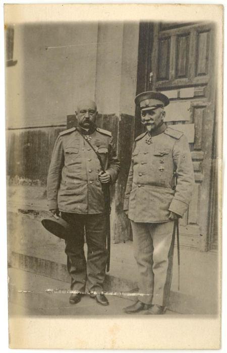 Генерал-лейтенант Антон Иванович Деникин и Генерал от инфантерии  Николай Николаевич Юденич.