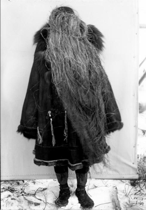 Корячка в травяной маске. Камчатский край, 1900 год.