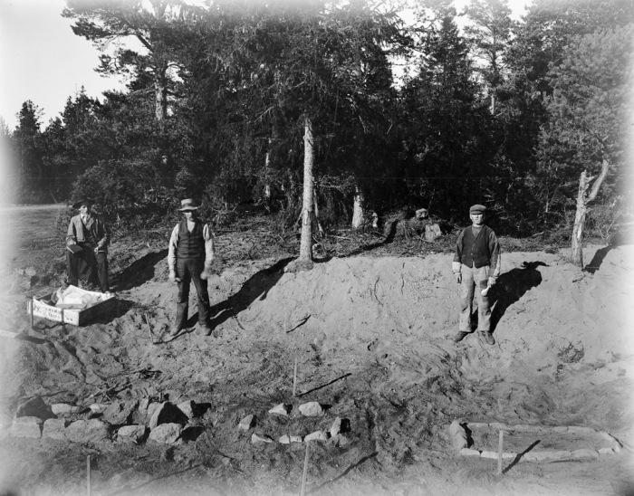 Археологические раскопки поселения каменного века на Аландских островах в Балтийском море.