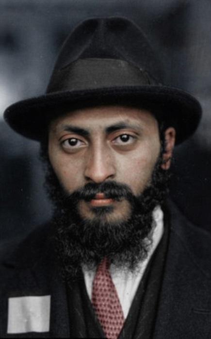 Армянский еврей, бежавший в США от преследований турецкого правительства в 1926 году.