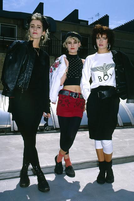Британская вокальная поп-группа, которая была популярна в 1980-е годы.