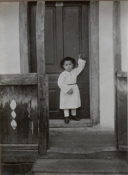 Маленький цыганенок. Бессарабия, начало 20 века.