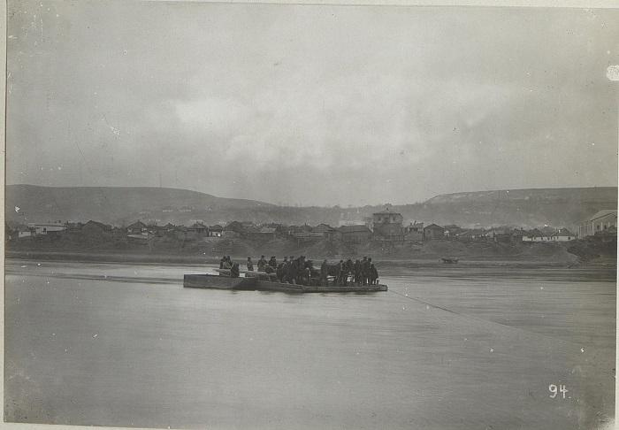 Паром через Днестр. Бессарабия, начало 20 века.