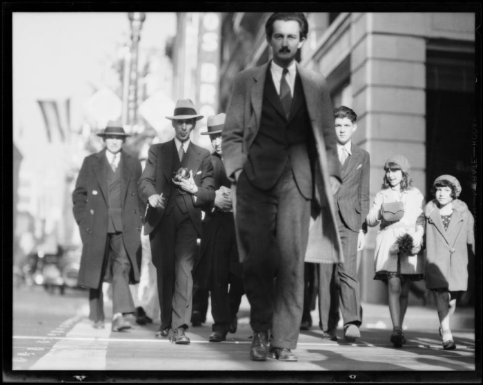 Пересечение 7-й улицы и Бродвея. Лос-Анджелес, 1930 год.