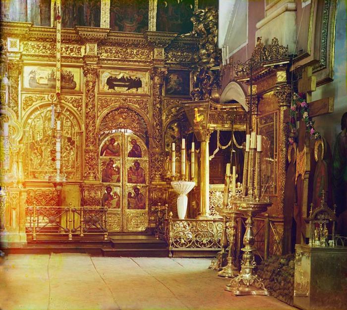 Алтарь Спасо-Преображенского собора в Твери.