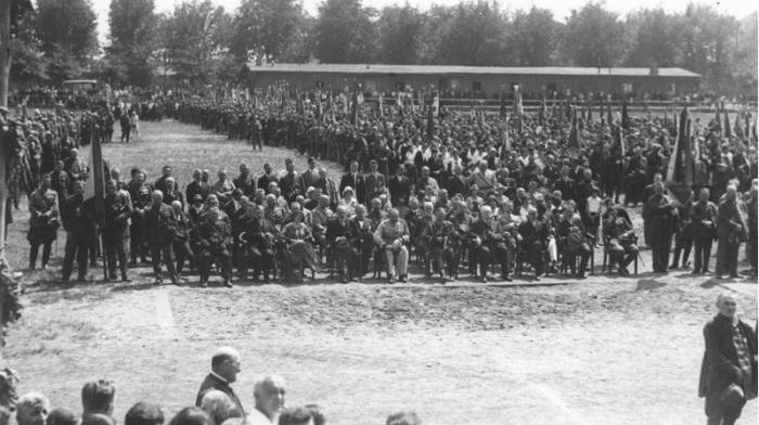 Торжества в Познани, в годовщину Чуда на Висле. 1920-е годы.