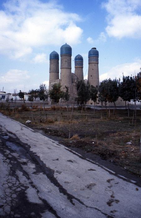 Одна из крупнейших достопримечательностей. СССР, Узбекистан, Бухара, 1984 год.