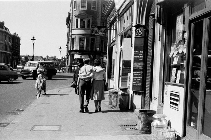 Прогулка по городу. Великобритания, Лондон, 1950 год.
