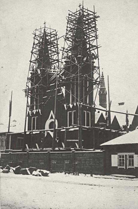 Строительство католического костела.