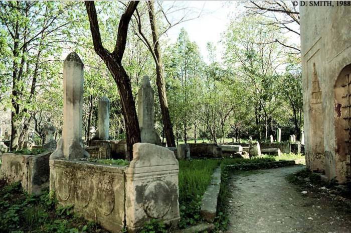 Старое кладбище. Крым, Бахчисарай, 1988 год.
