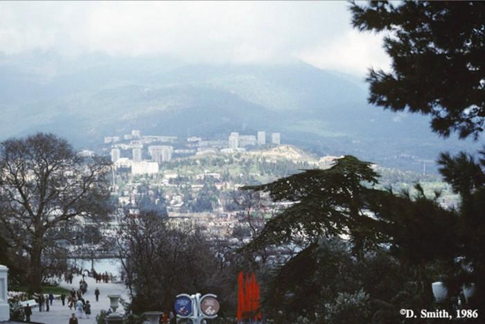 Панорама города. Крым, Ялта, 1988 год.