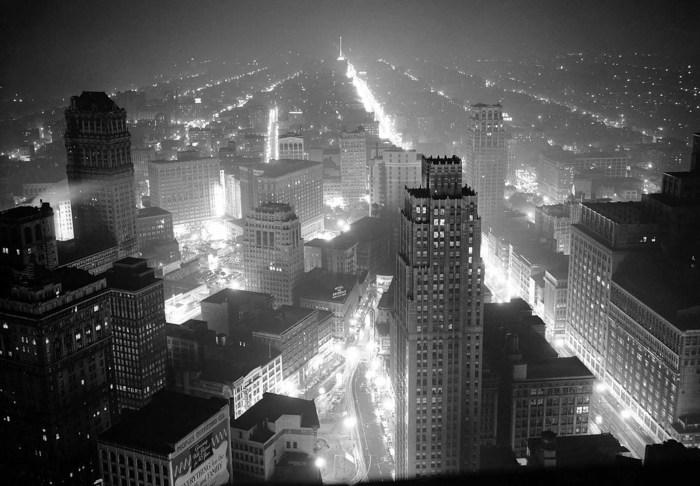 Детройт и промышленный район вокруг него во время обесточивания 4 мая 1942 года.