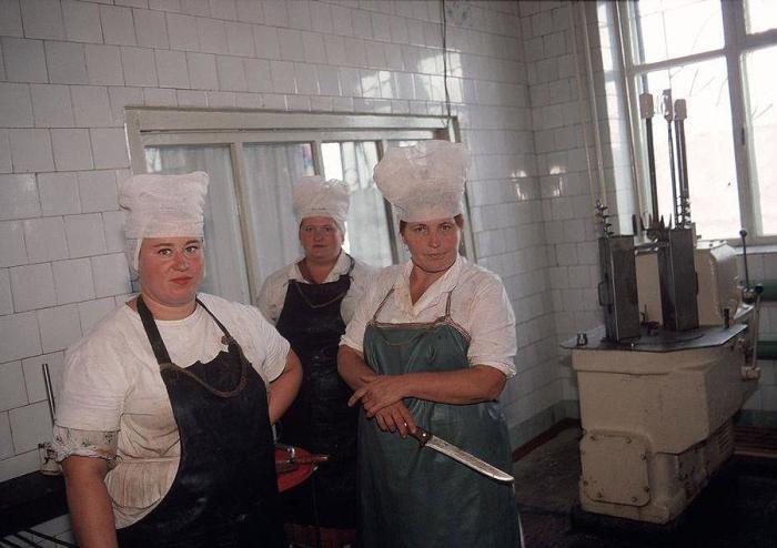 Кухня при колхозе, принадлежащем шахтерам. СССР, Донецк, 1988 год.