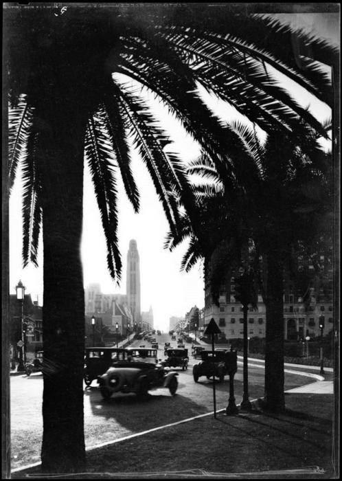 Движение на бульваре Уилшир. США, Лос-Анджелес, 1931 год.