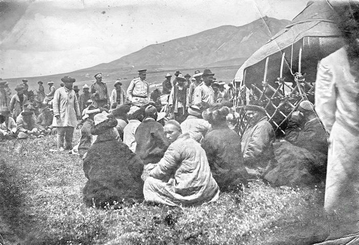 Выборы туземной администрации в Семиречье. Пржевальск, 1905 год.