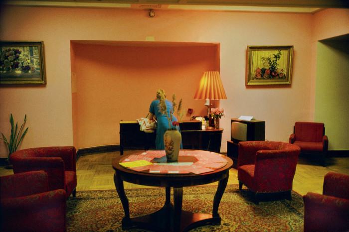 Гостиница обладает самым большим и разнообразным номерным фондом среди пятизвёздочных отелей Москвы. СССР, Москва, 1989 год. Автор фотографии: Harry Gruyer.