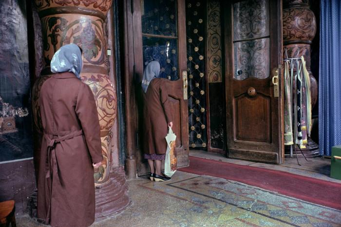 Православный храм, который будет интересно посетить и москвичам, и туристам. СССР, Москва, 1989 год. Автор фотографии: Harry Gruyer.