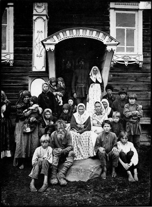 Группа старообрядцев. Деревня Кузнецово, Семеновской уезд, конец XIX — начало XX века.