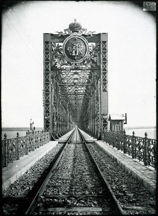 Александровский мост через Волгу в Сызрани, 1894 год.