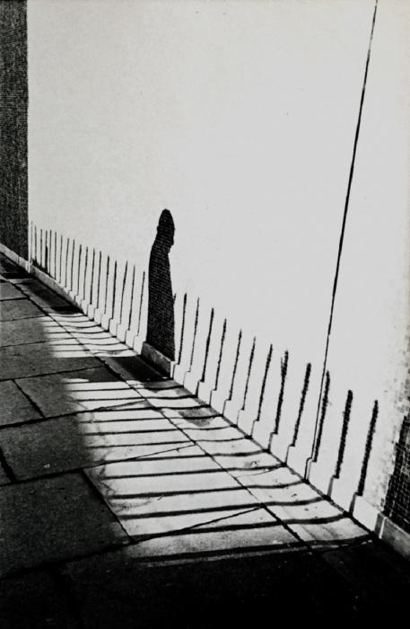 Тень. Великобритания, Бирмингем, 1972 год.