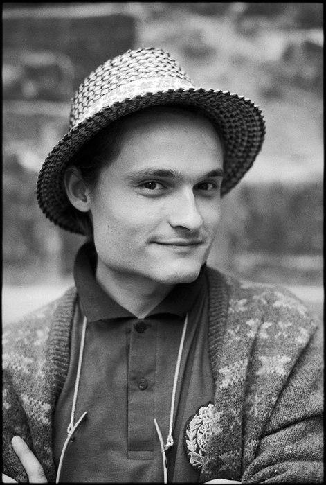 Известный русский историк моды, искусствовед и коллекционер.