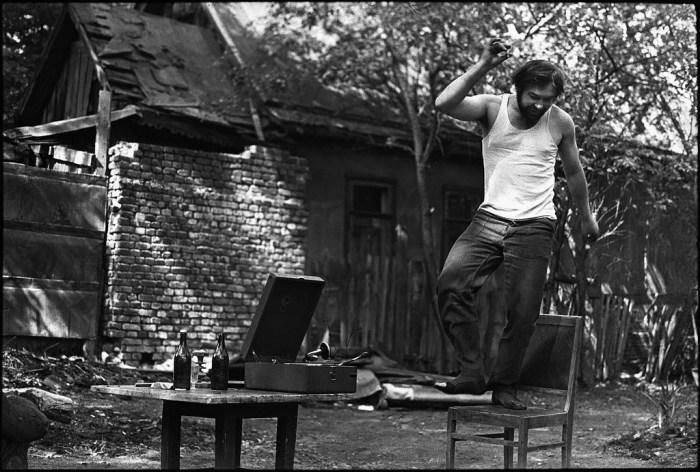 Танцы на табурете от Юрия Герасимова.