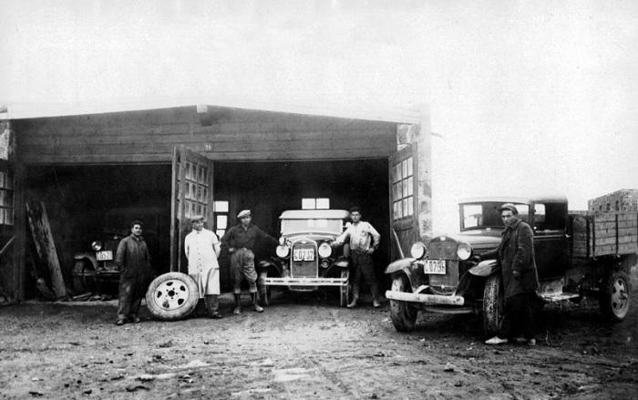 Гараж в Нубарашене. 1930 год.