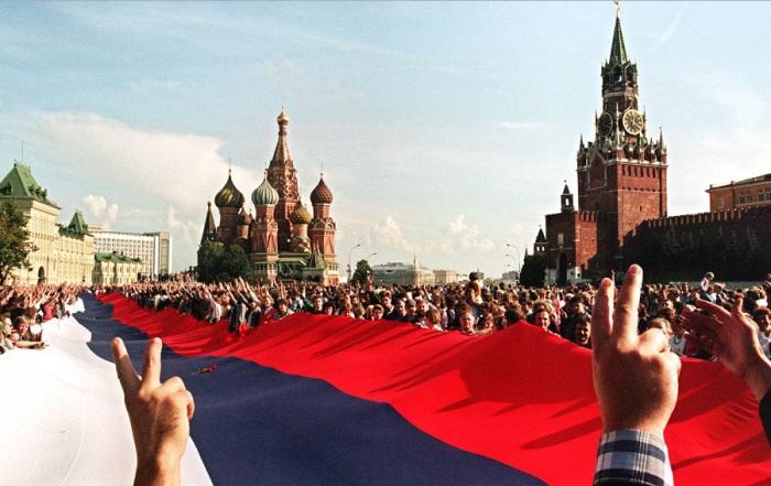 Торжества в Москве после провала попытки государственного переворота. В августе 1991 года.
