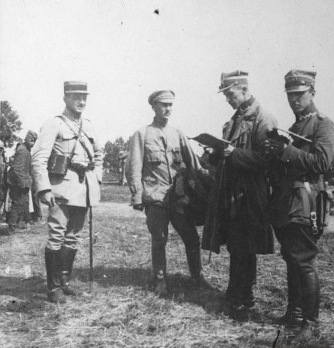 Допрос советского пленного из состава Сибирской бригады. 1920-е годы.