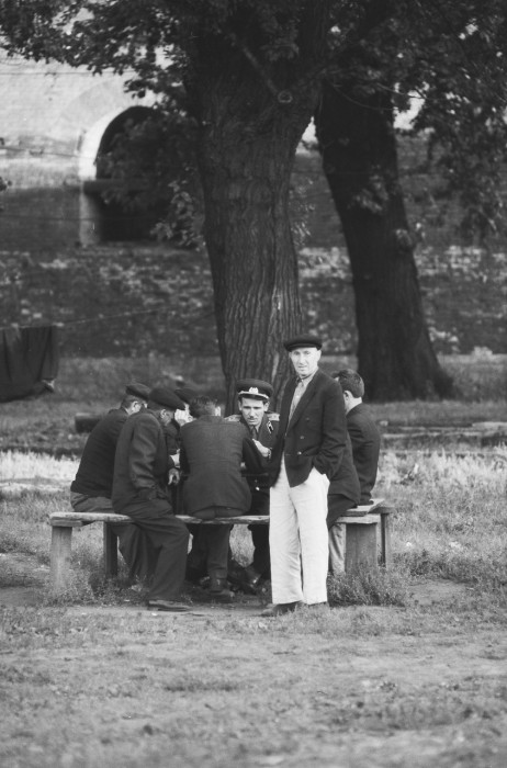 Игра в шахматы в Александровском саду. СССР, Москва, 1961 год.