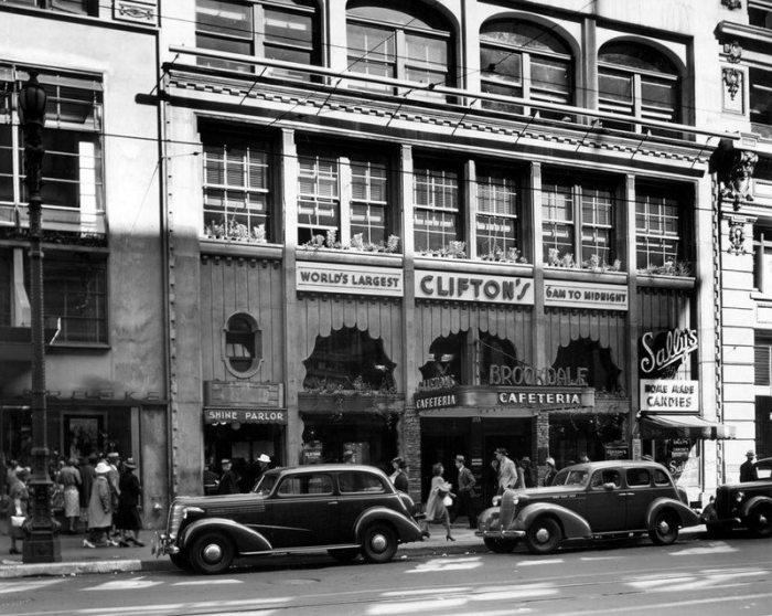 Знаменитая кафетерия Брукдейл Клифтона. Лос-Анджелес, Бродвей, 1936 год.