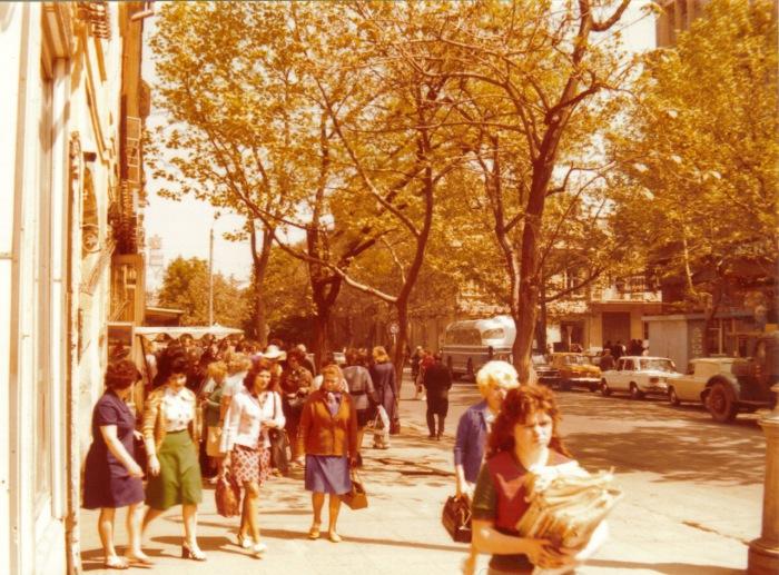 Оживленная улица Карла Маркса. СССР, Одесса, 1976 год.