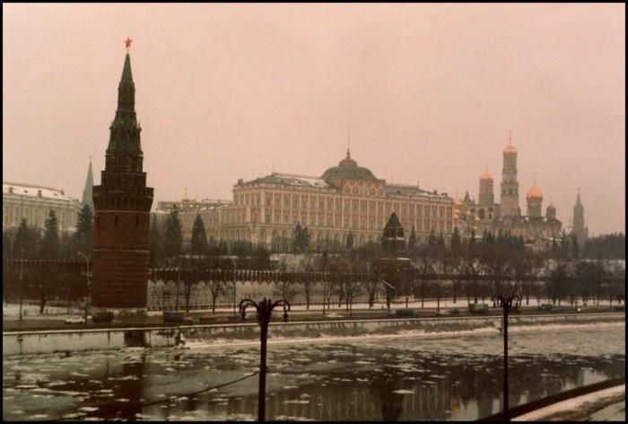 Вид на Московский Кремль с Большого Каменного моста. СССР, Москва, 1985 год.