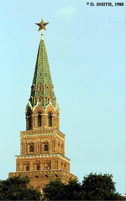 Кремлевская башня. СССР, Москва, 1988 год.