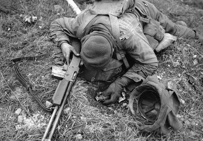 Неизвестный американский солдат, убитый немецким снайпером.