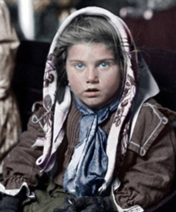 Маленькая итальянка, эмигрировавшая в Америку вместе с семьей в 1926 году.