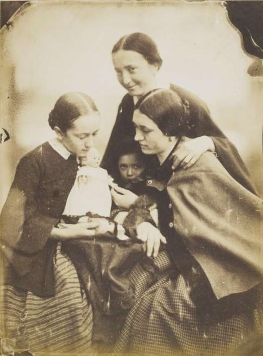 Мадам Frenet с дочерьми в 1855 году.
