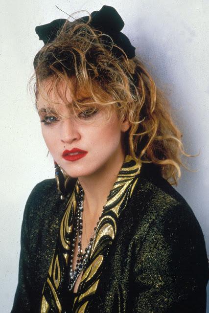 Знаменитая американская певица, автор-исполнитель, танцовщица и музыкальный продюсер.