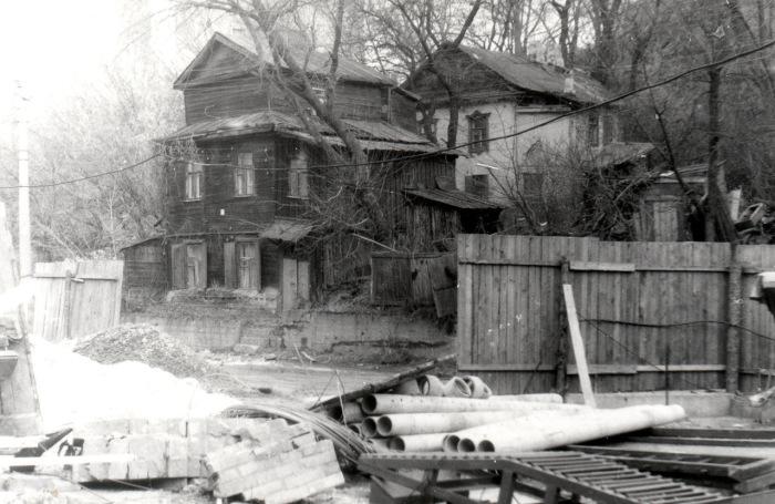 Старый особняк в аварийном состоянии по улице Петровская. Киев, 1986 год.