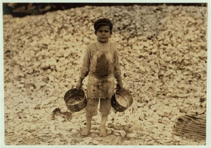 Мануэль, год, занимающийся сушкой креветок, совершенно не говорящий по английский. Штат Миссисипи, февраль 1911 года.