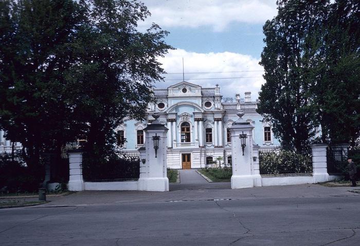 Мусоровывозящая компания МУП  ДГБ  | город Долгопрудный.