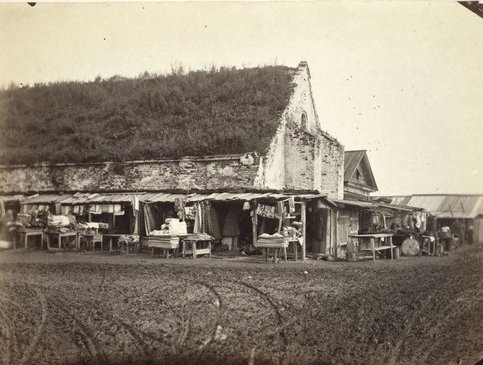 Рынок возле старого порохового склада в Иркутске.