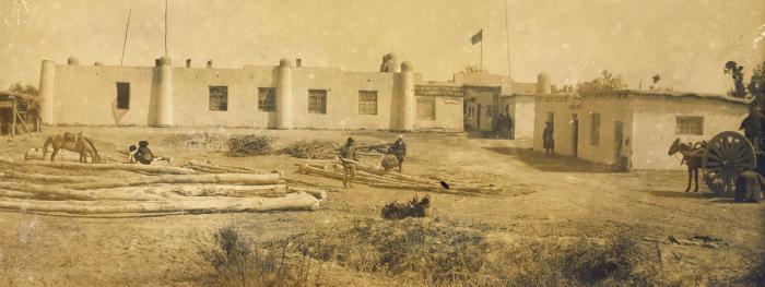 Работа по заготовке древесины в Туркестане.