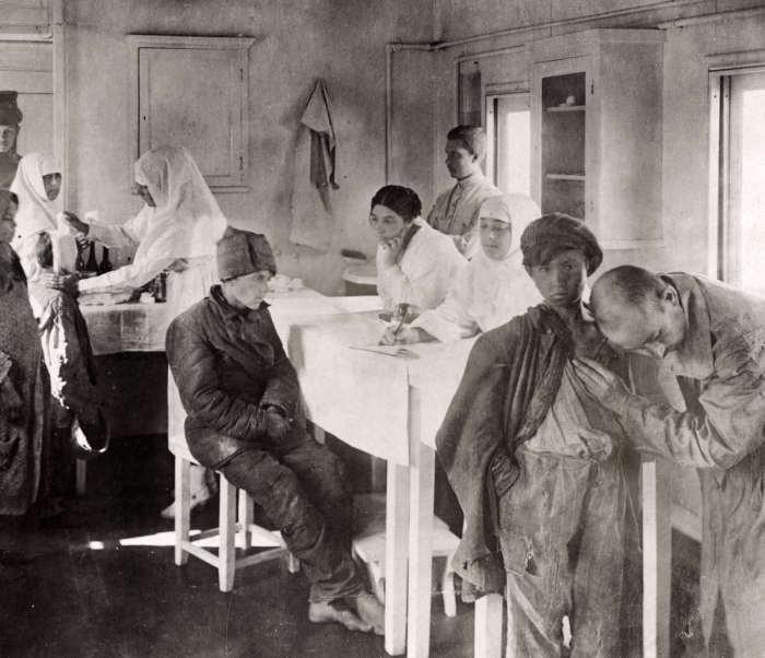Пункты оказания квалифицированной медицинской помощи жертвам голода. СССР, 1922 год.