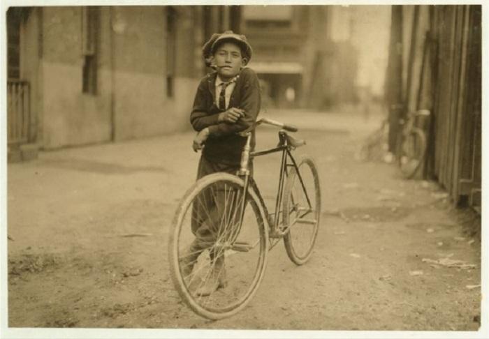 15 летний посыльный работающий на телеграфную компанию. Штат Техас, сентябрь 1913 года.