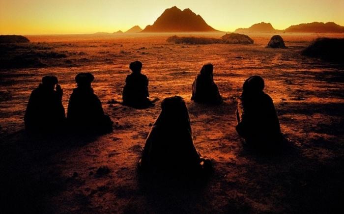 Молитва кочевников. Афганистан, Кандагар, 1992 год.