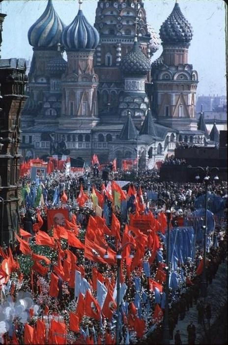 Первомайский парад на Красной площади. СССР, Москва, 1963 год.